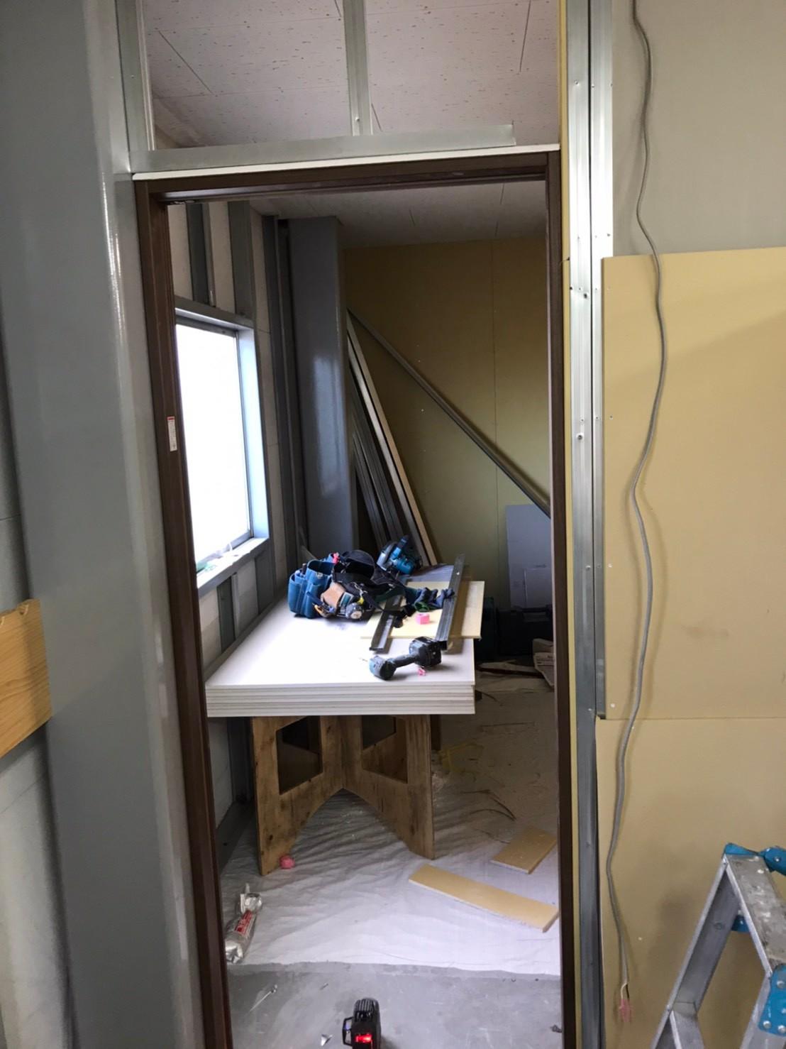 都内オフィス間仕切り等新設工事2