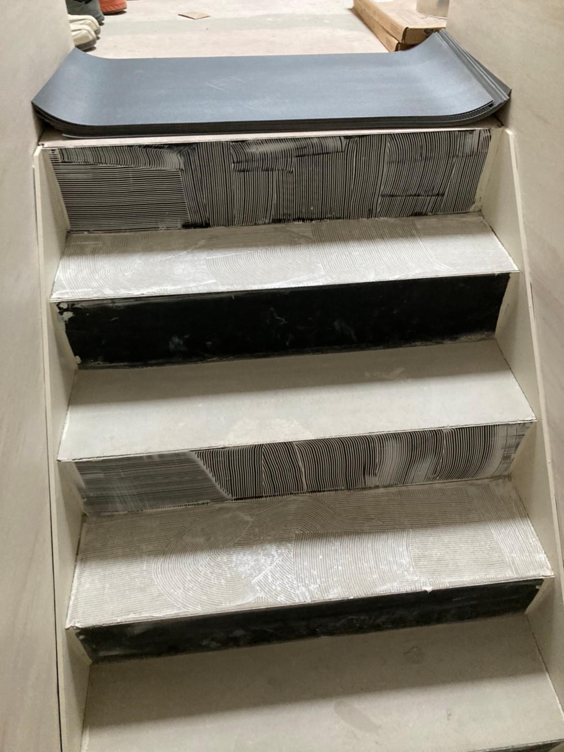 階段長尺シート張り