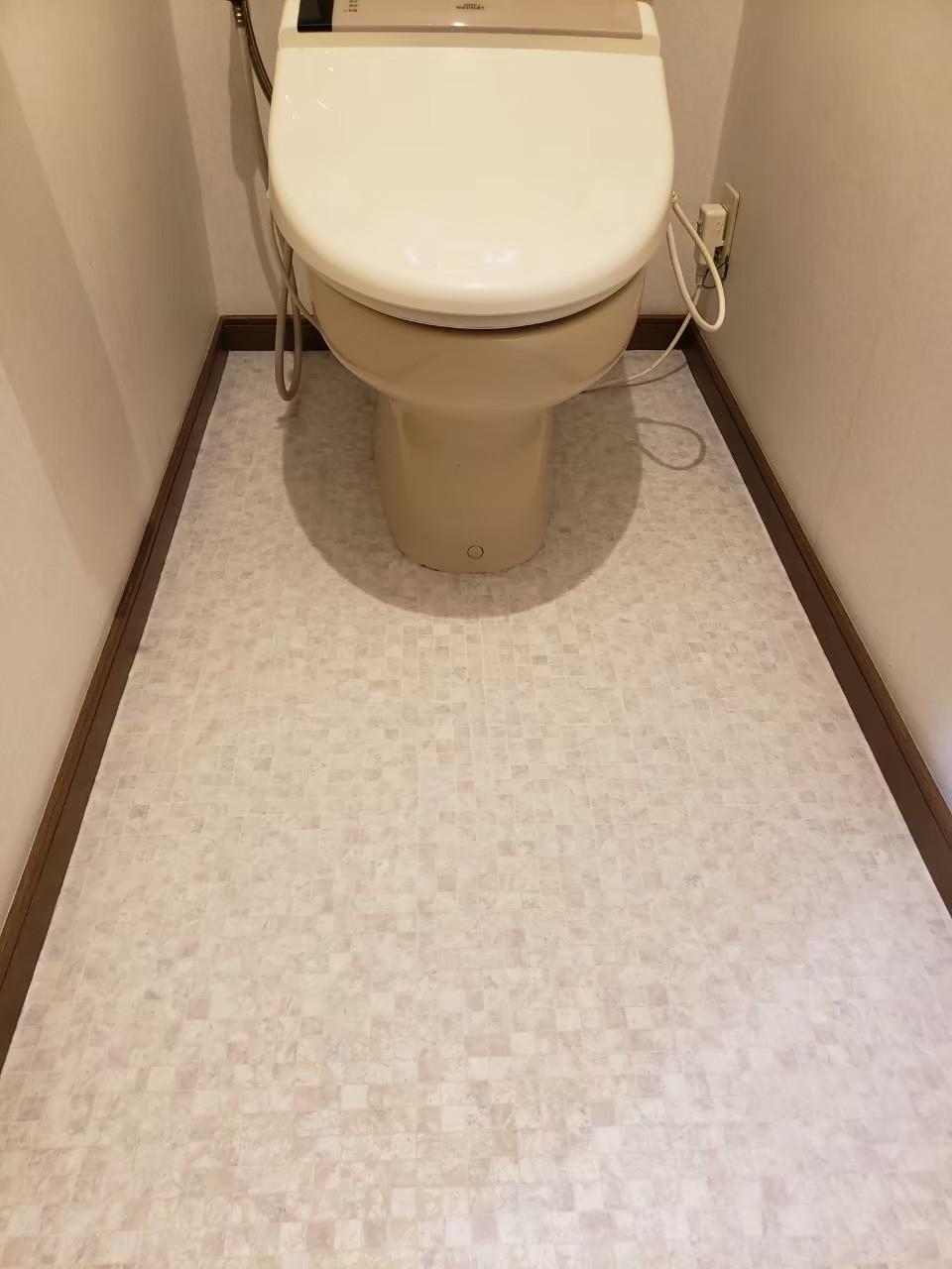 トイレCF張替え。